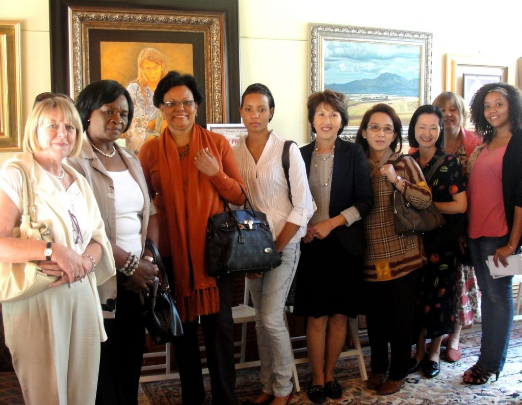 16) Visit from the IDSA ladies (Ambassador Spouses)