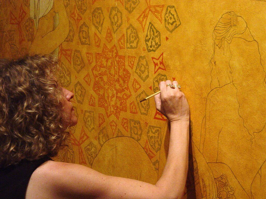 07) Intense concentration while painting 'IDYLLIRIUM'